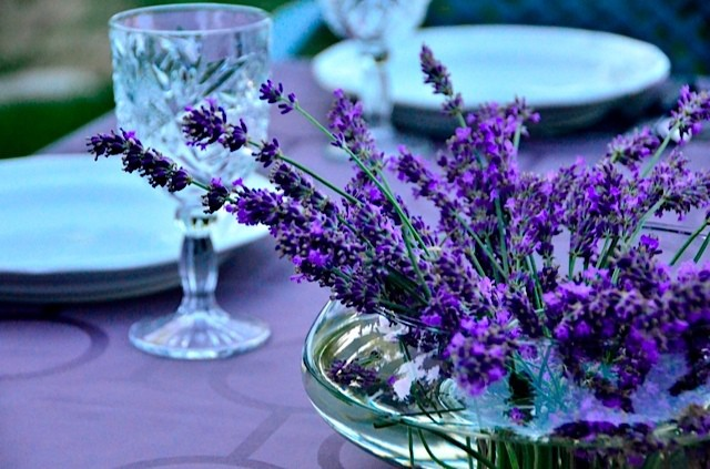 Lavender Centerpiece : How to create a centerpiece using lavender