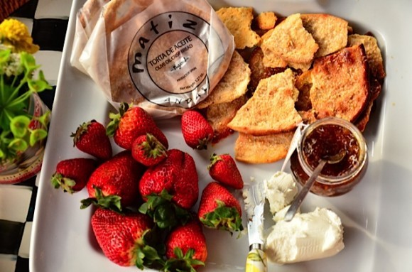 Strawberries with Matez' Tortas de Aceite | Reluctant Entertainer