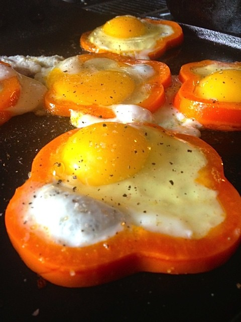 Fried Eggs in Pepper Rings Recipe - Reluctant Entertainer