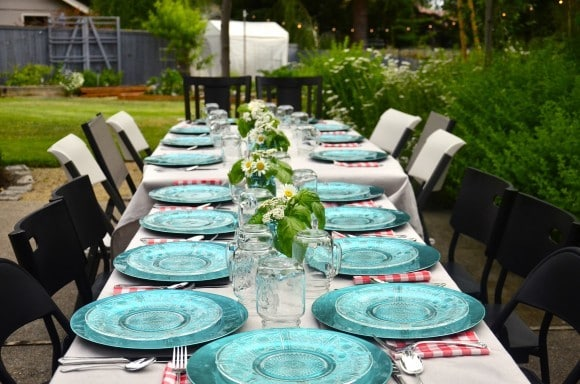Table Setting Ideas for 4th of July and Basil Tabletop