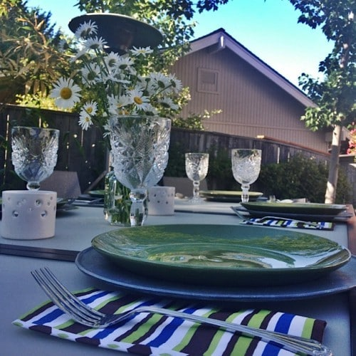 Sweet outdoor moments with paper napkins