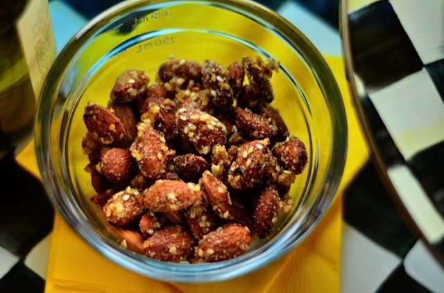 Toasted Asian Almonds