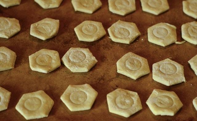 3-Ingredient Peppermint Hot Fudge Bites
