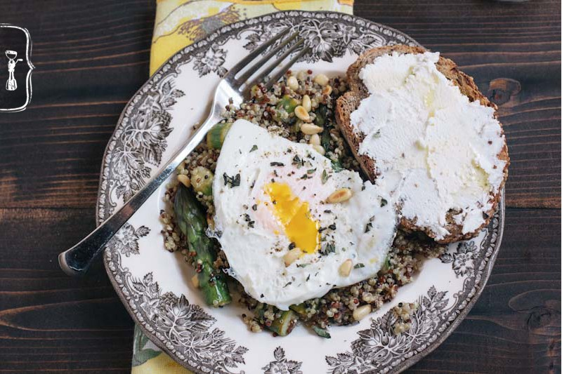 Quinoa with Asparagus and a Fried Egg from Vintage Mixer