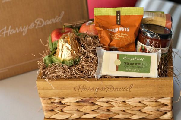 Deluxe Signature Gift Basket @HarryandDavid