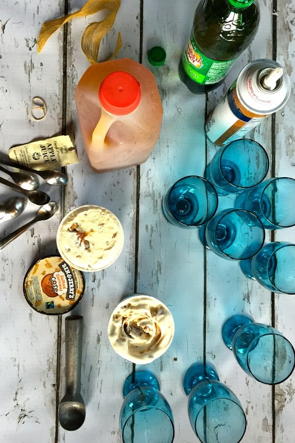 Spritzy Apple Cider Floats | ReluctantEntertainer.com