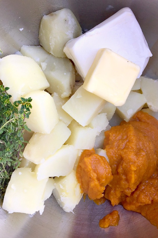 Pumpkin Mashed Potatoes at ReluctantEntertainer.com