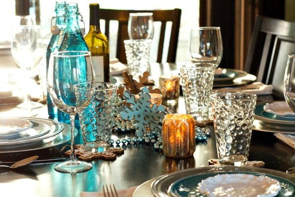 Holiday dinner party menu recipegirl - New year dinner table setting ...