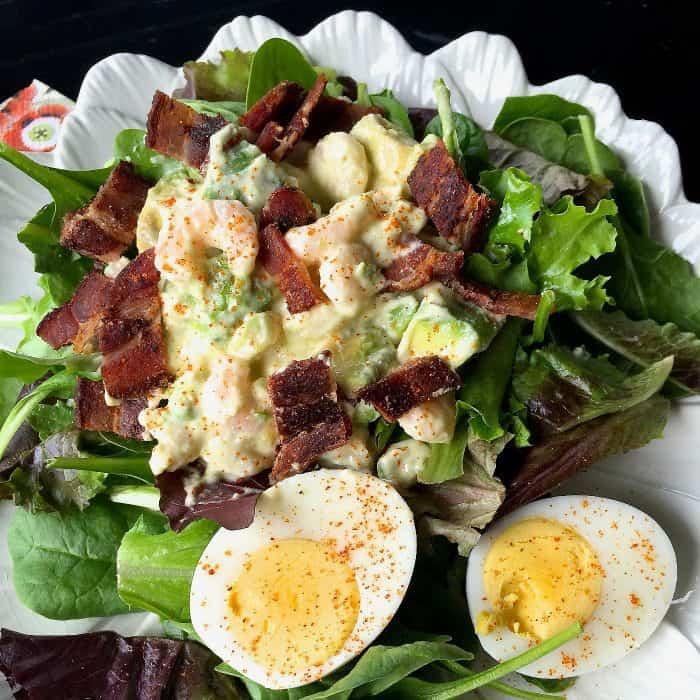 Easy Green Salad with Shrimp and Avocado