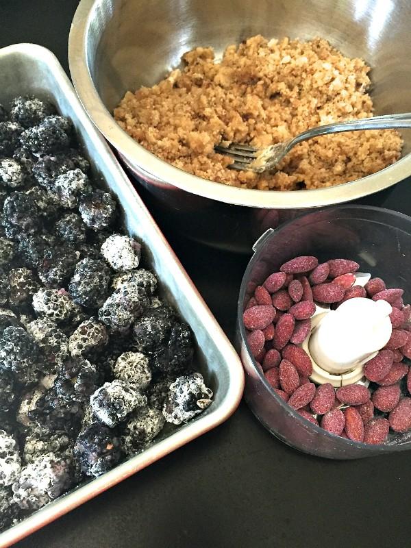 Blackberry Almond Crumble
