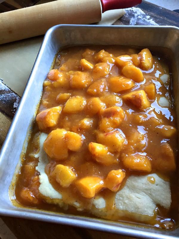 Wonderful Peach Cobbler | ReluctantEntertainer.com