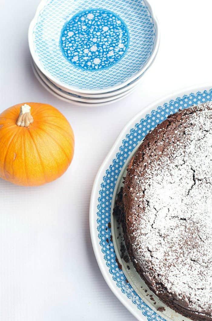 Easy Pumpkin Spice Flourless Chocolate Cake