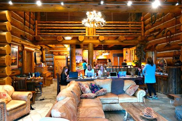 Tunnel Creek Lodge, Incline Village, NV | ReluctantEntertainer.com