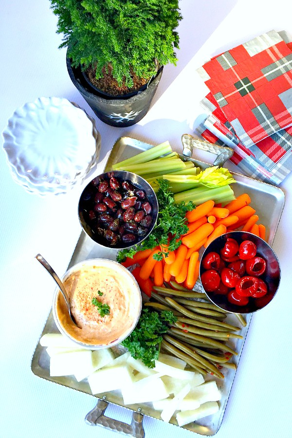 Vegetable Appetizer Platter and Dip for the Holidays - Reluctant ...
