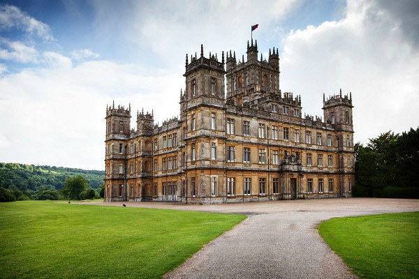 Downton Abbey Egg Salad Tea Sandwiches - castle