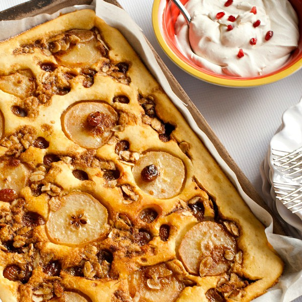 This Roasted Pear Grape Kuchen plus 5 Holiday Tips, is perfect to serv with Honey Baked Ham for a holiday brunch or dinner!