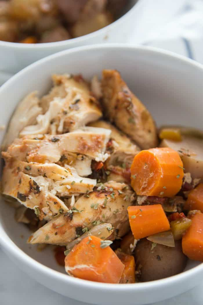 Tasty Slow Cooker Chicken Breasts with Carrots and Potatoes
