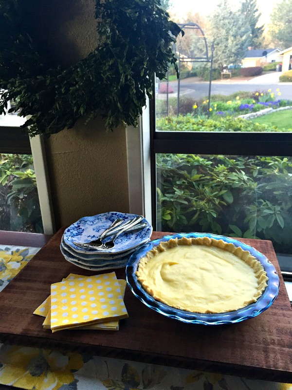 Sour Cream-Lemon Pie