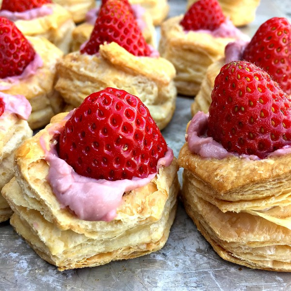 Strawberry Puff Pastry Bites