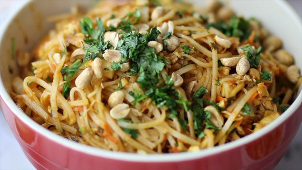 Easy Pad Thai Salad Recipe