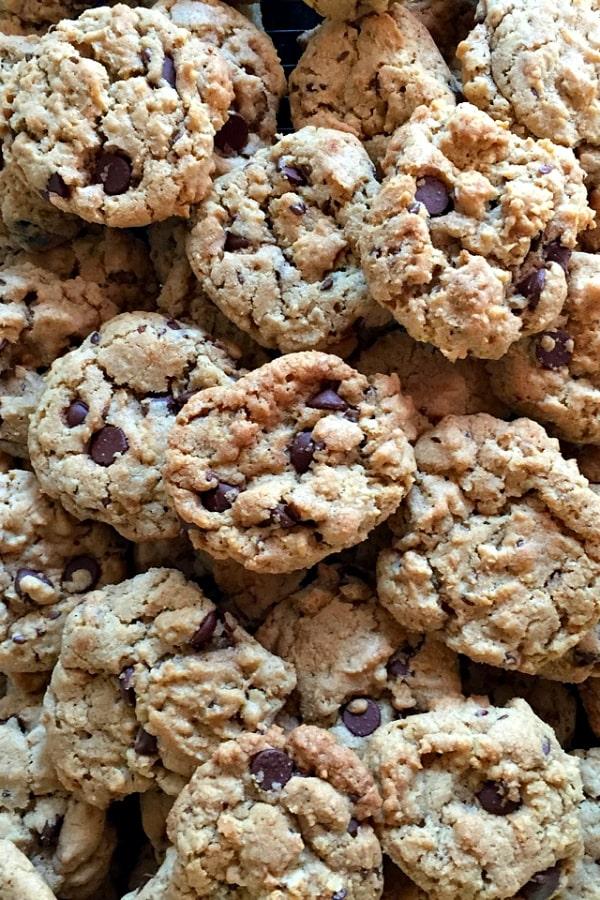 Granola Chocolate Chip Cookies