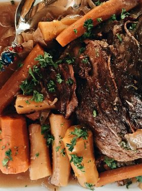 Crock Pot Roast Beef Dinner