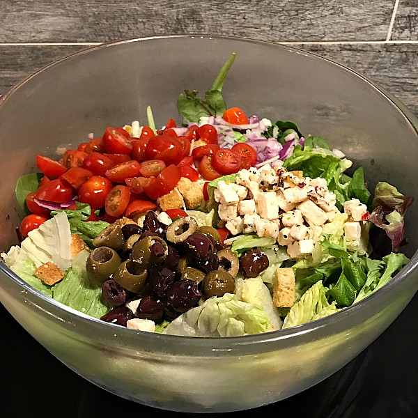 Easy Greek Feta Salad Recipe