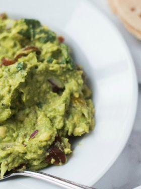 BEST Homemade Guacamole Recipe