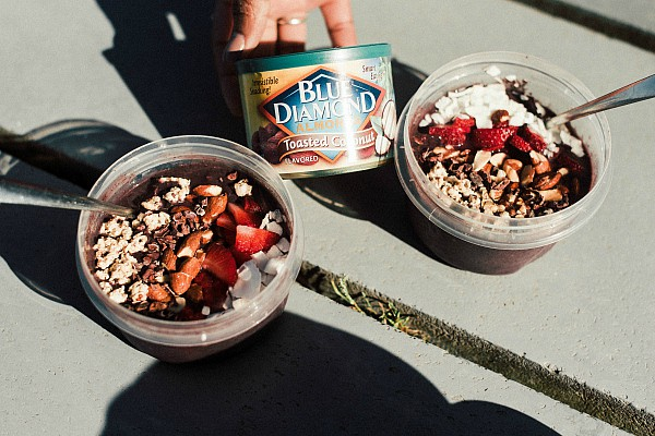 Chocolate Banana Berry Smoothie Bowl Recipe