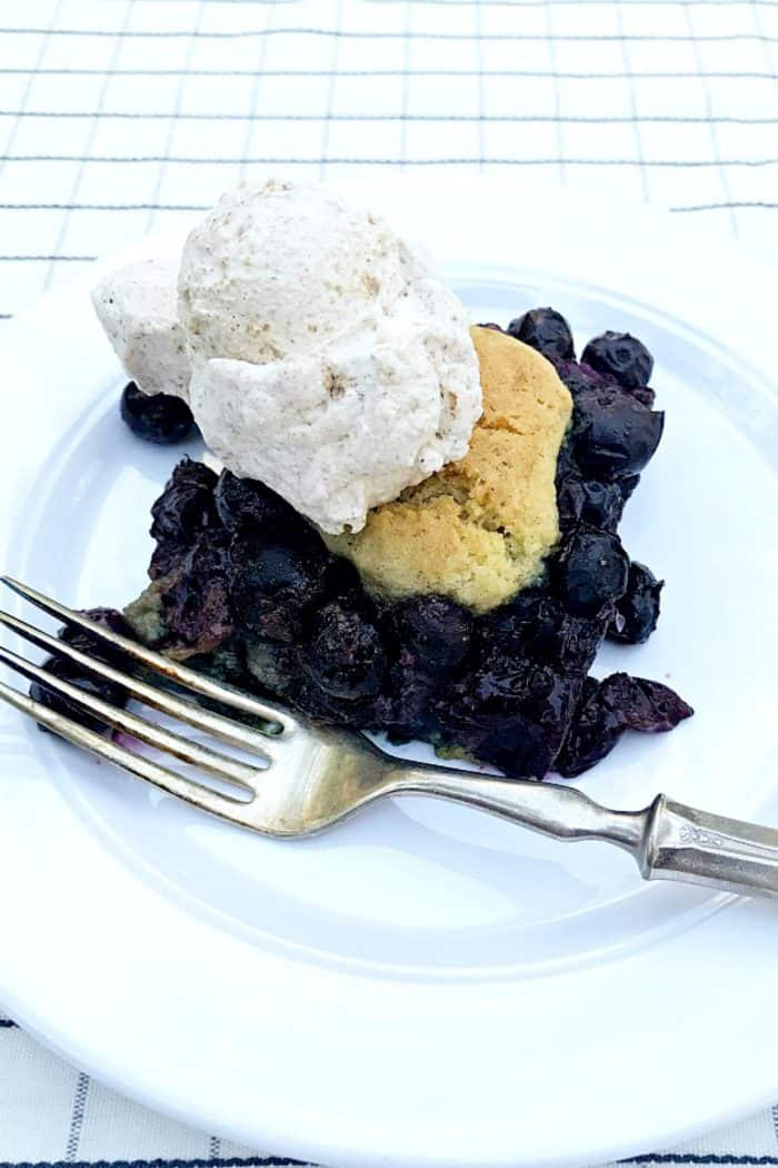 SO GOOD Blueberry Snickerdoodle Summer Cobbler