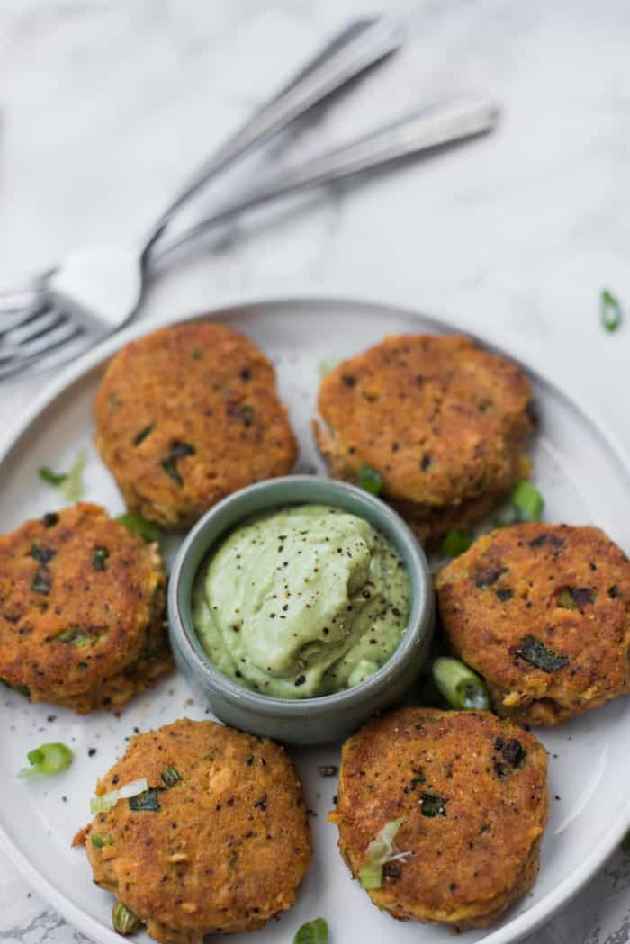 EASY Salmon Cakes Recipe