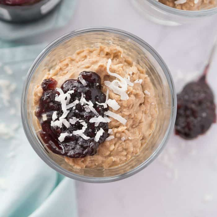 Tasty 5-Minute Vegan Coconut Cream Dessert
