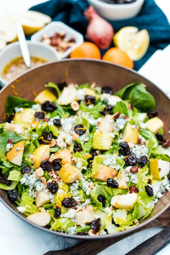 Pear Romaine Lettuce Salad with Blue Cheese