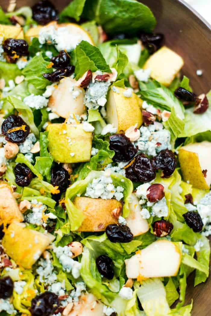 Pear Lettuce Salad with Blue Cheese
