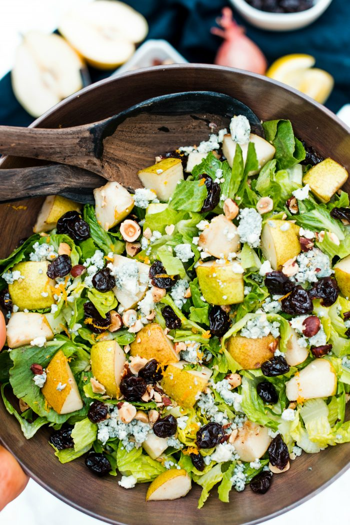 Pear Romaine Salad with Blue Cheese