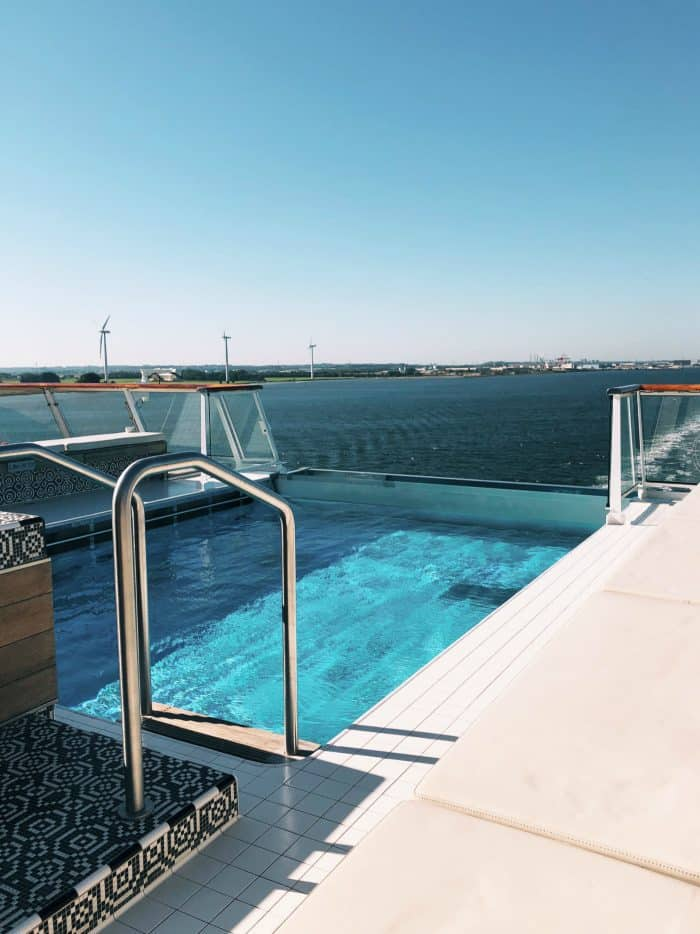 Viking Homelands Ocean Cruise - infinity pool