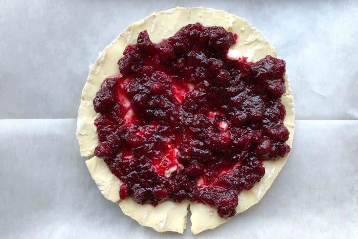 Easy Cranberry Pistachio Brie Appetizer