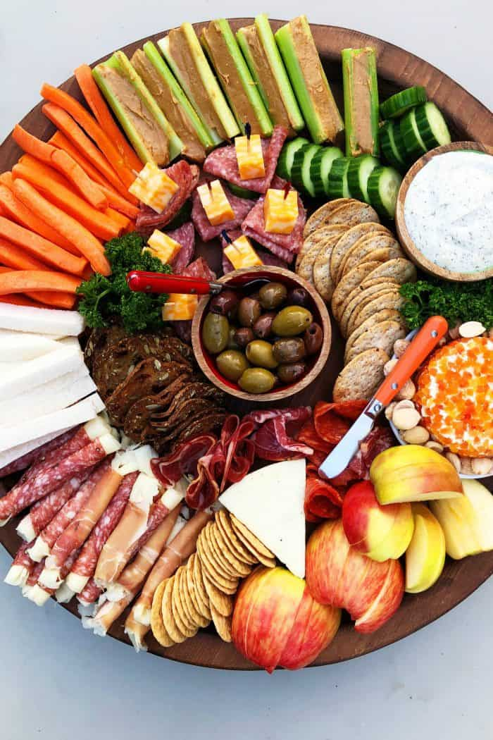 Holiday Kid-Friendly Charcuterie Board - DIG IN