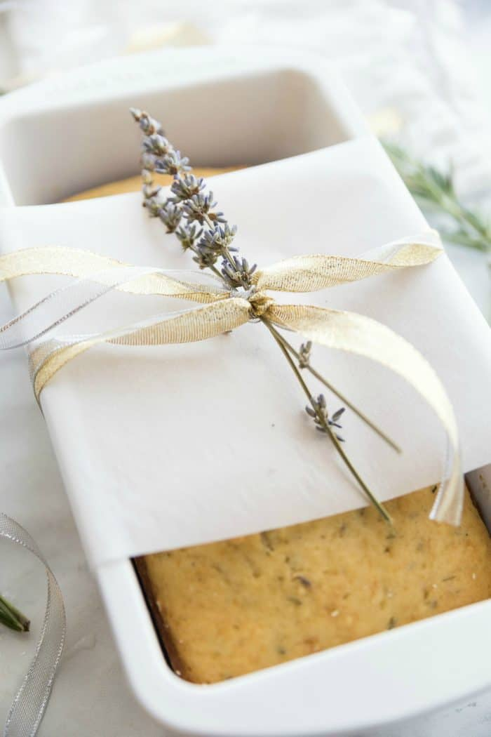 4 Homemade Holiday Gifts Collection - TEA BREAD