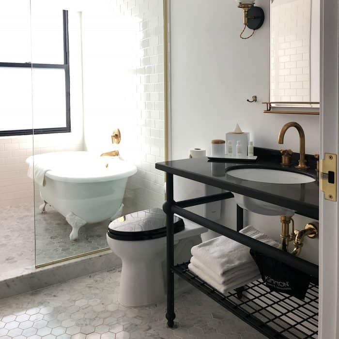 Seattle Kimpton Palladian Hotel - bathroom