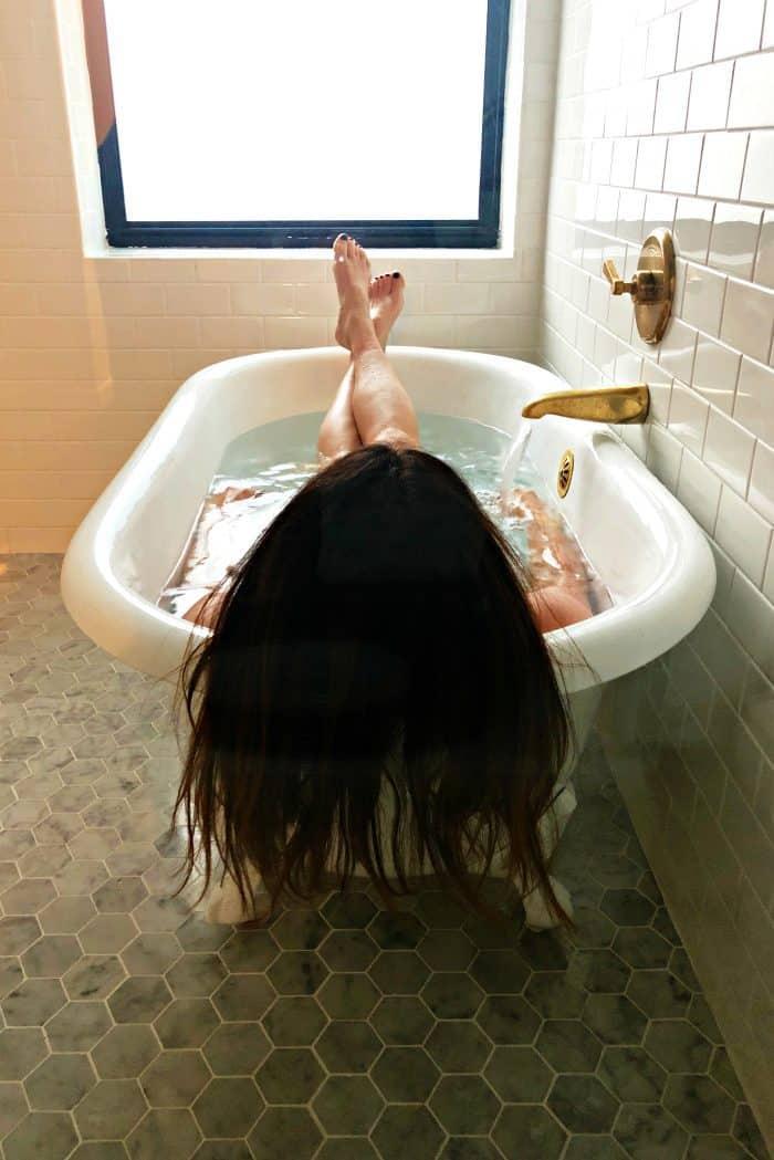 Seattle Kimpton Palladian Hotel - soaker tub