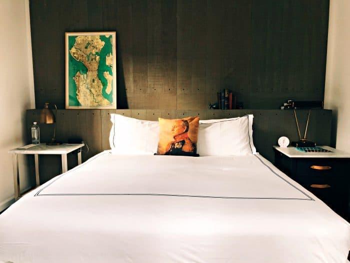 Seattle Kimpton Palladian Hotel - bed