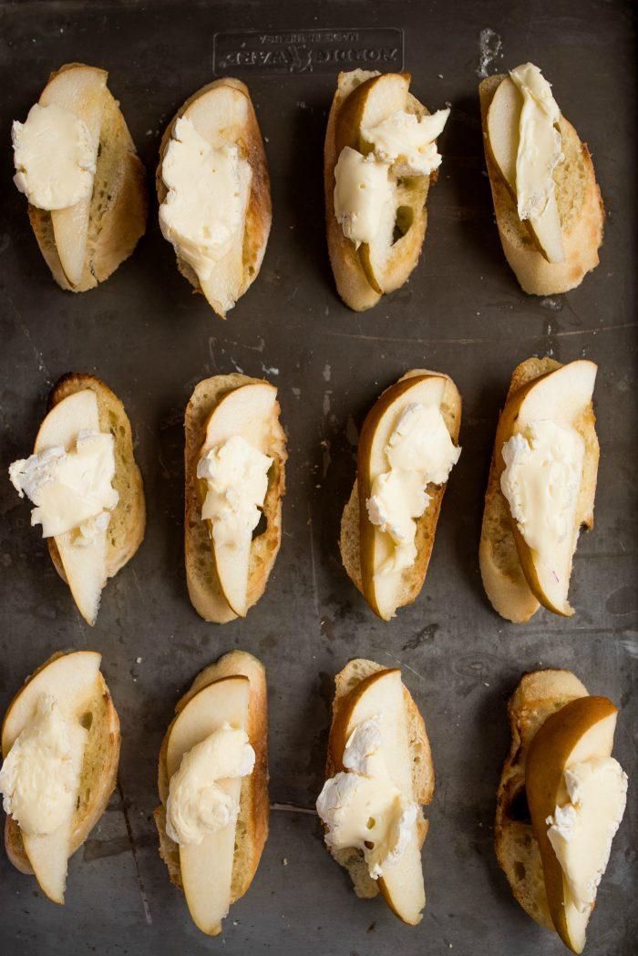How to make Pear Brie Bruschetta Recipe