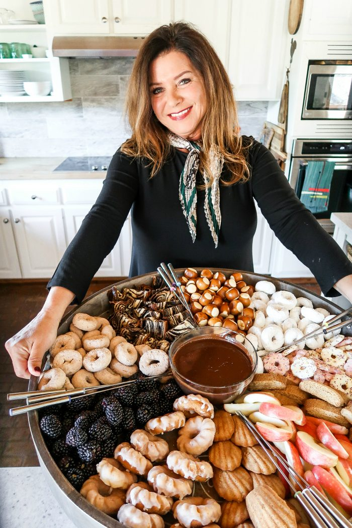 how to make Nutella Fondue Dip Dessert Board