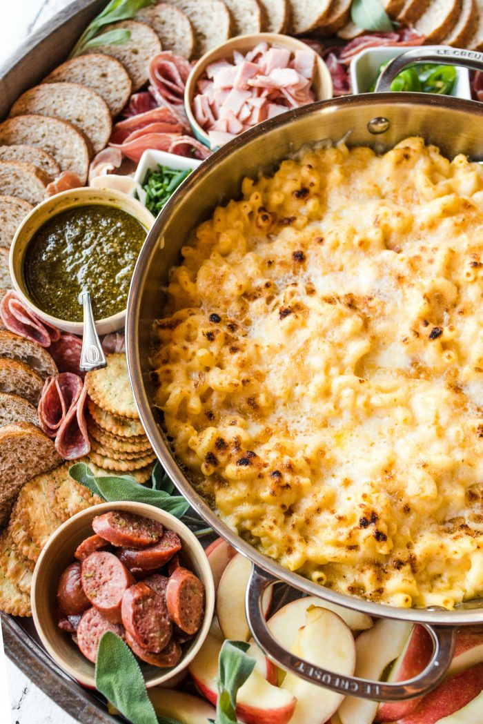 EASY Macaroni and Cheese Dinner Board