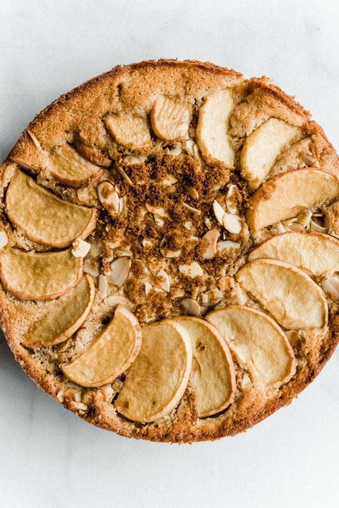 EASY Spelt Cinnamon Apple Cake
